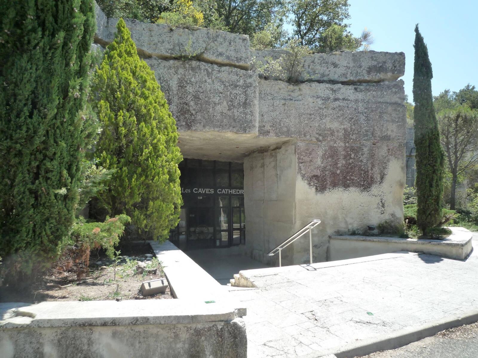entrée caveau caves cathedrales